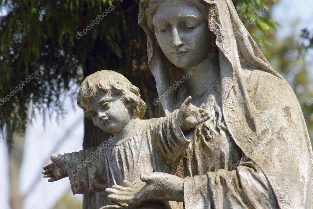 Meryem Ana Heykeli Olarak Meryem Ana Heykeli