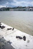 Shoes on the Danube Promenade Budapest — Stock Photo