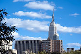 The Empire State Building shines in the afternoon New York City — Stock Photo