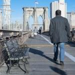 Morning Walk over Brooklyn Bridge — Stock Photo #41645371