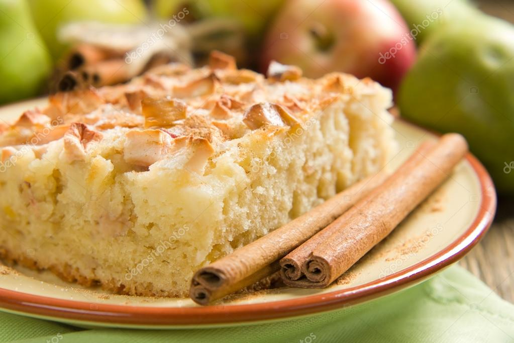 Homemade apple pie with cinnamon — Stock Photo #12248568
