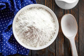 Flour in a bowl — Stock Photo