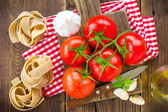 Tomatoes and pasta — Stock Photo