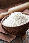 Em uma tigela de farinha — Fotografia Stock