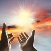 在天空中的手 — 图库照片