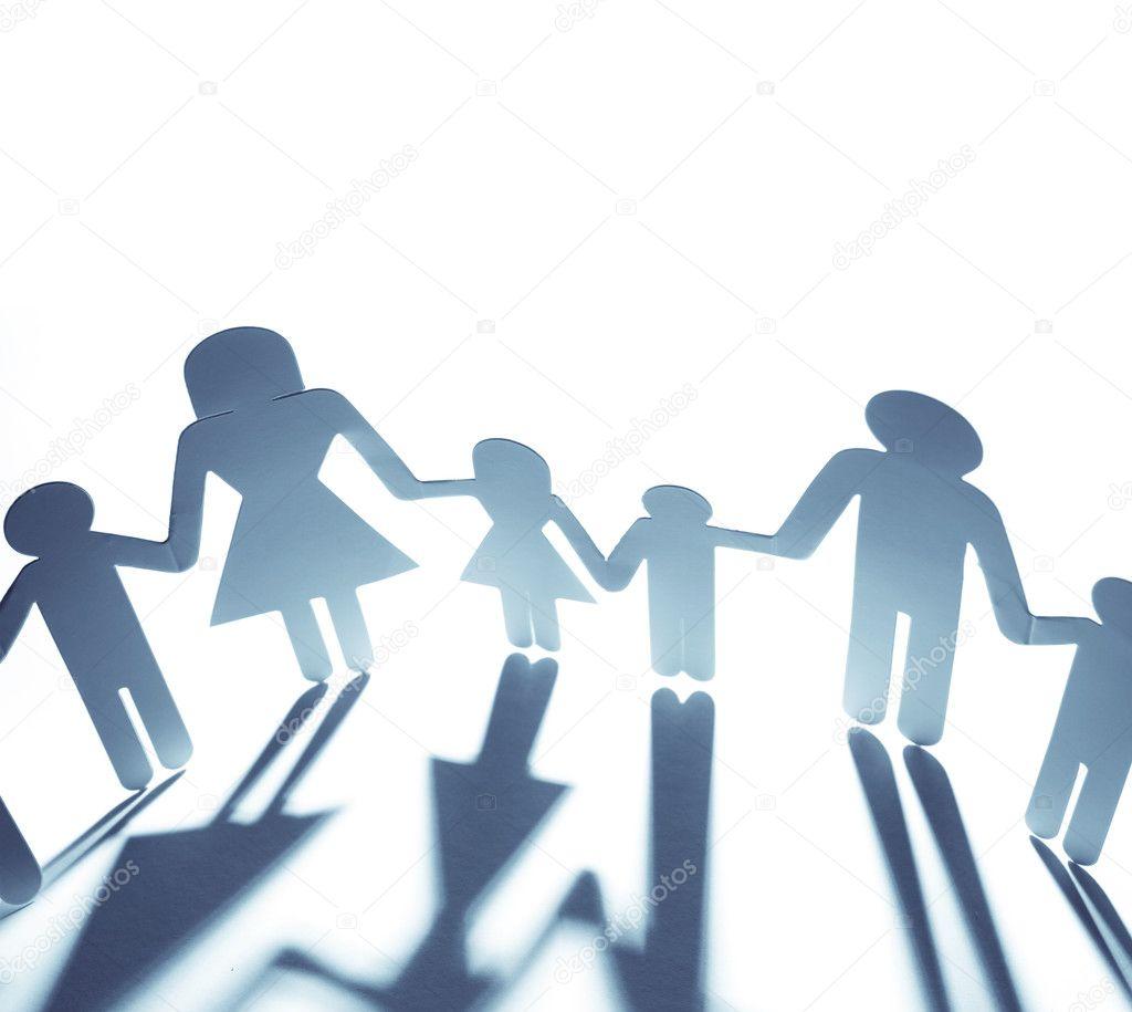 家庭团结在一起,手牵着手