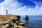 Portuguese lighthouse over blue ocean — Foto de Stock
