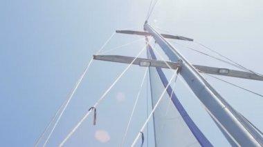 Jacht van mast — Stockvideo