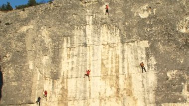 Rock climbers — Stockvideo