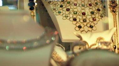 Jewelry necklaces — Vídeo de stock