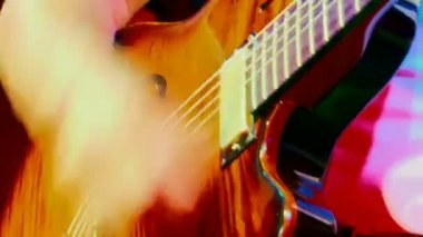Music. Close-up. Mastery of guitar playing. — Stockvideo