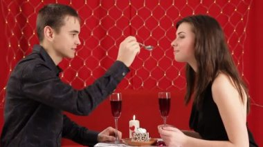 Dinner. Young couple celebrate valentines day for a romantic dinner. — ストックビデオ