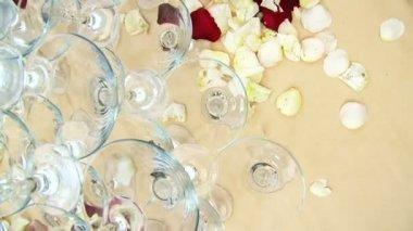 Glasses prepared for wedding celebration. — Stock Video