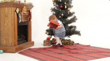 Noel hediyesi. — Stok video