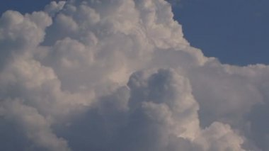 Belle nuvole nel cielo. — Video Stock