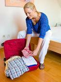 г-жа пакет чемоданы для праздника путешествия — Стоковое фото
