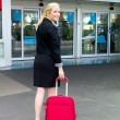 Businesswoman at airport — Stockfoto