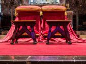 Silla para recién casados en la iglesia — Foto de Stock