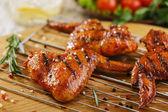 Alitas de pollo a la brasa — Foto de Stock