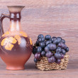 Foto Stock: Grapes in basket