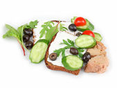 Sandwich with tuna and vegetables — Stock Photo