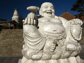 White marble Buddha in the courtyard of the monastery in Wutai Shan — Stok fotoğraf
