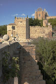 查看 san 马丁桥到修道院圣胡安 — 图库照片