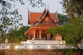 Temple in the park near Fort Phra Sumeru in old Bangkok — Stock Photo