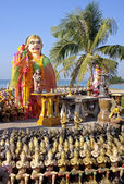 Statues in the seaside temple on the beach — Stock Photo