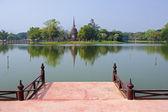 Pohled z ruin v sukhothai historický park — Stock fotografie