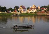 One of the Buddhist temples on the river in Ayutthaya — Stock Photo
