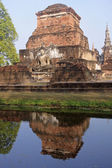 Ancient buildings temple in Sukhothai — Stock Photo