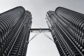 KUALA LUMPUR-AUGUST-19: View of The Petronas Twin Towers on Augu — Stockfoto
