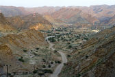 Evening road winding in mountains Oman — Stock Photo