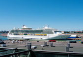 Passenger ship Brilliance of the Seas in port of Helsinki, Finland — Stock fotografie