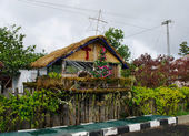 House decorated before Christmas, Papua Province — Photo