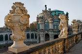 Statue above the Zwinger Museum in Dresden, Germany — 图库照片