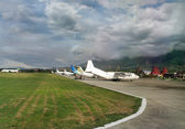 Sentani Airport on the island of New Guinea — Stockfoto