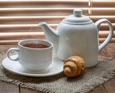 Tea cup with teapot — ストック写真