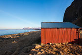 Tipical Red house near the sea coast in Norway — Stock Photo