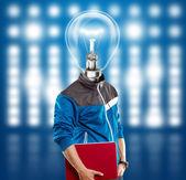 Homem de cabeça de lâmpada com laptop — Foto Stock