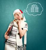 Kvinna väntar jul med laptop — Stockfoto