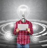 Hombre cabeza lámpara con pantalla táctil — Foto de Stock