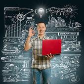 Pomysł koncepcji asian mężczyzna z laptopem w rękach pokazuje ok — Zdjęcie stockowe
