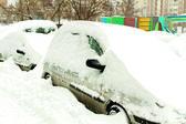 Voitures couvertes de neige — Photo