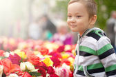 Little Boy With   Flowers — Fotografia Stock