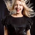 hübsche Frau mit schönen Haaren — Stockfoto #5423458