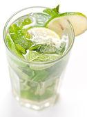 Mojito cóctel en blanco — Foto de Stock