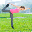 Woman doing stretching fitness exercise — Stock Photo