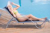 Kobieta w strój kąpielowy — Zdjęcie stockowe